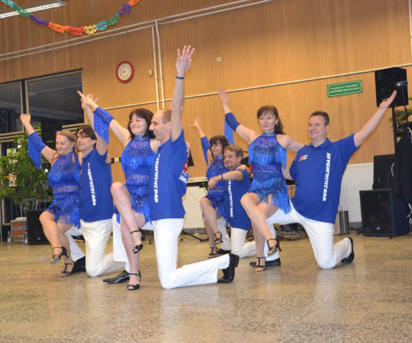 kek-galleros-polok-tanc-csoportoknak